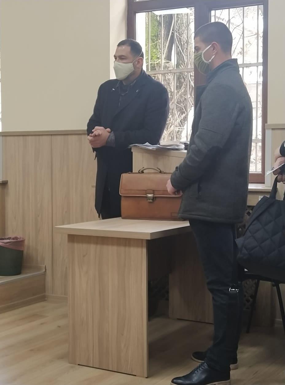 Петър Георгиев с адвоката си.