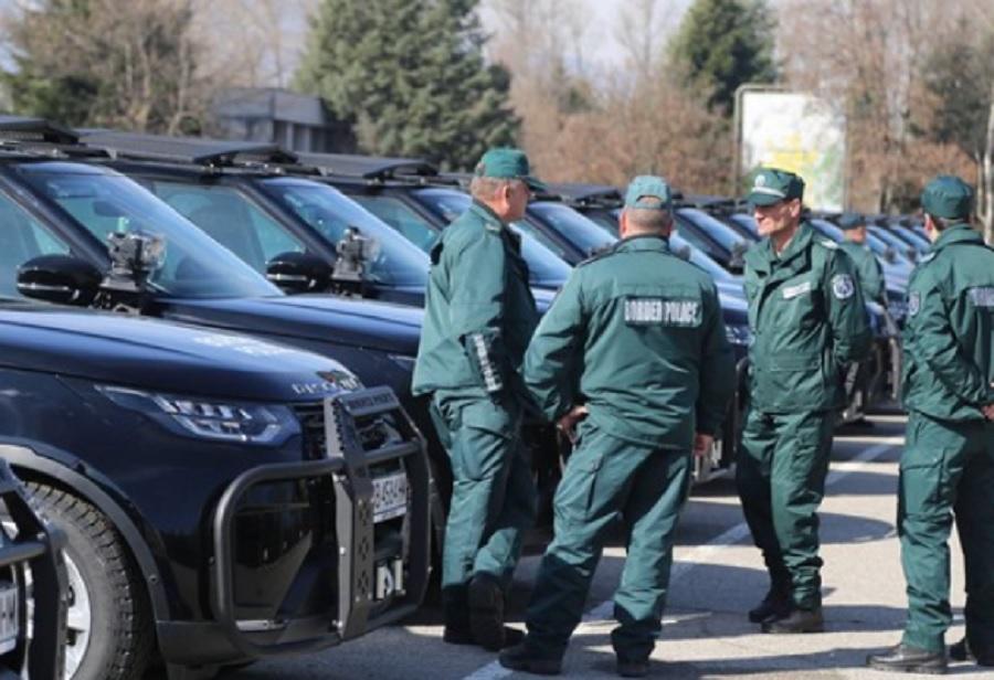 Граничните полицаи ще могат да ни връчват фишовете.