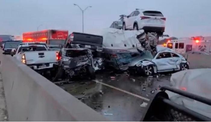 Причината за зверската катастрофа е ледът по магистралата във Форт Уърт