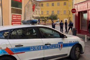Вдигнаха на крак френската полиция