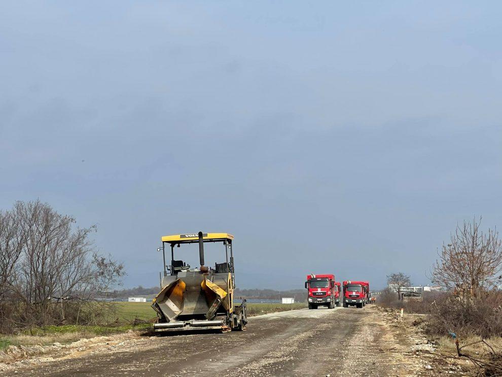 Ремонтът на пътя Раковски - Брезово напредва.