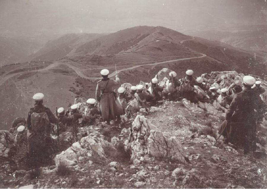 Възстановка на боевете при Шипка през 1902 г. за 25 години от епопеята.