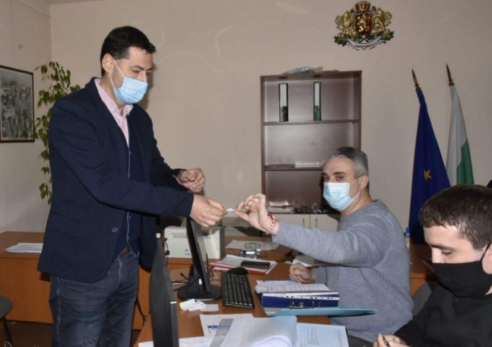 Иван Тотев регистрира листата на ГЕРБ в Пловдив