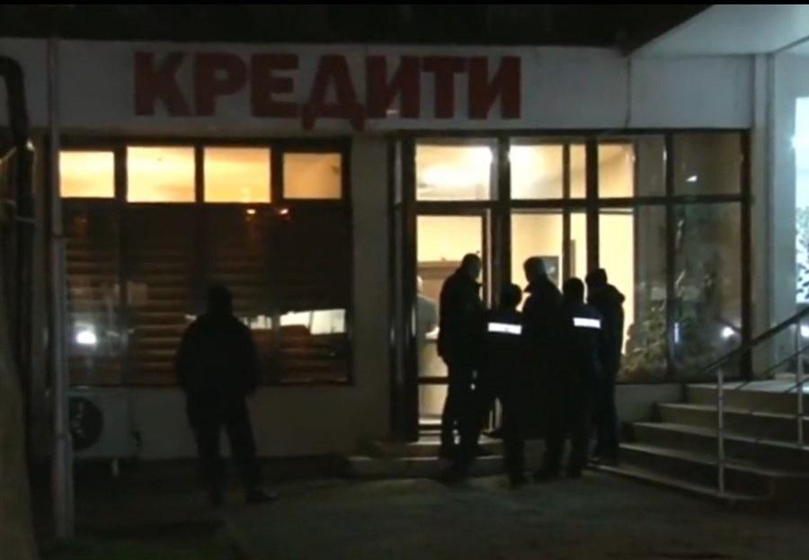 Полиция оглежда мястото на убийството в Стара Загора