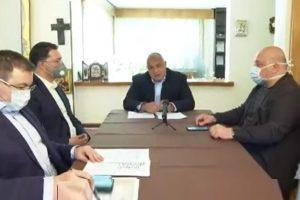 Борисов събра вкъщи министри в оставка