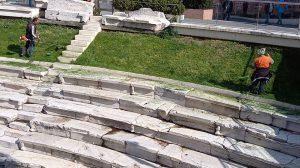 Синхронно се работи на Римския стадион.