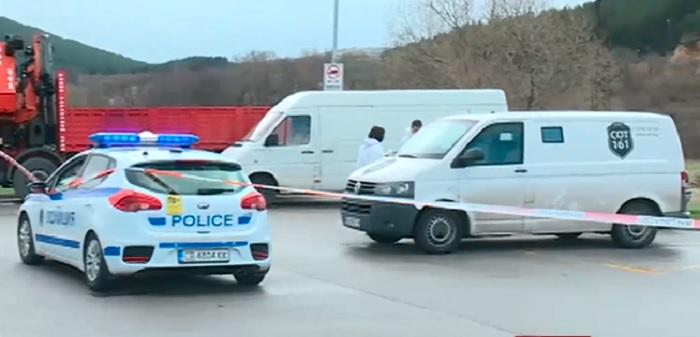 """Нападателите са чакали на мястото край магистрала """"Струма"""" инкасото да спре."""