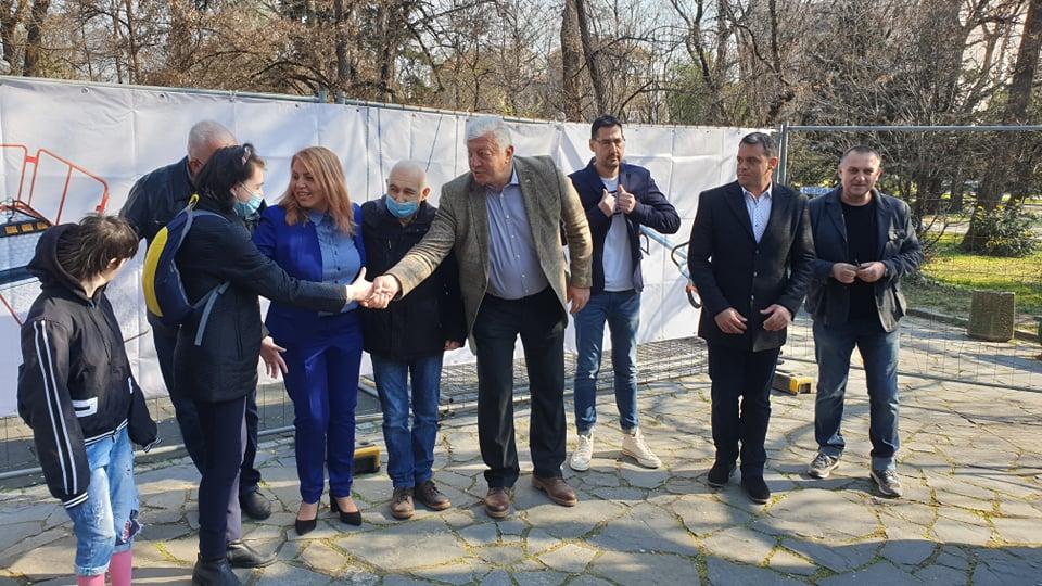 Новата площадка за деца с увреждания ще бъде готова за 20 дни.