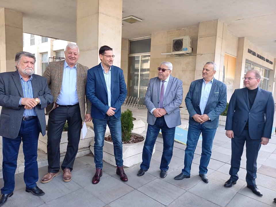 Първите в листата на ГЕРБ с кмета Здравко Димитров.