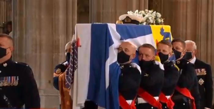 Великобритания се прощава с херцога на Единбург принц Филип