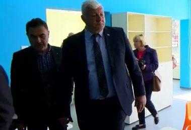 "Зико инспектира новото крило на ДГ ""Перуника""."