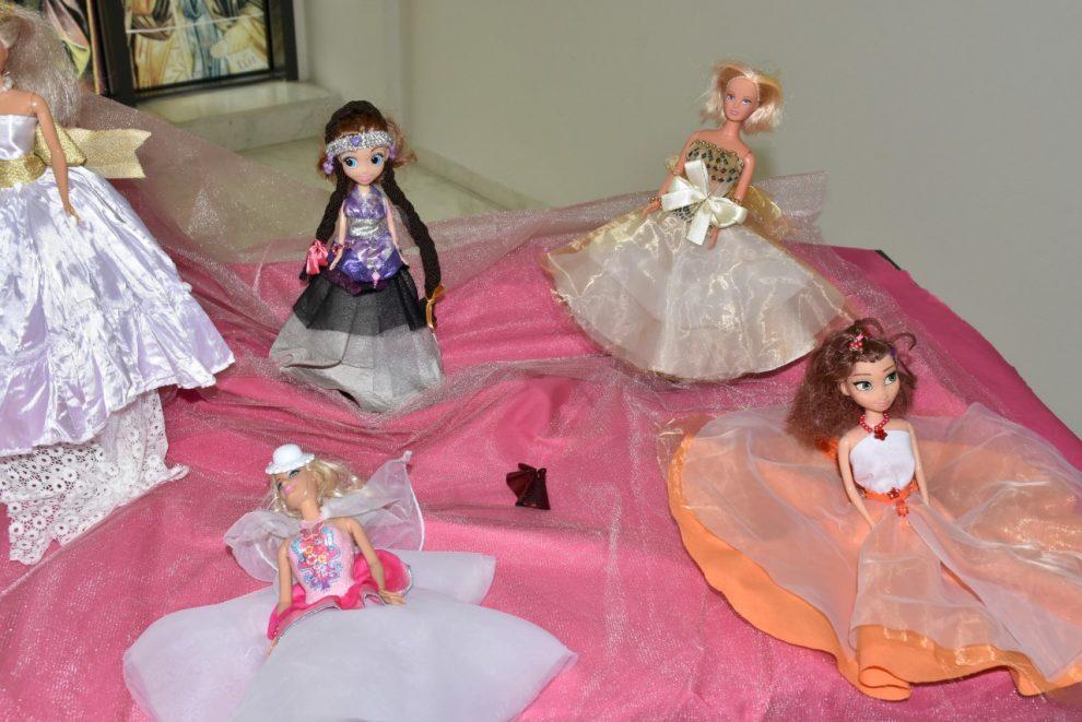 Куклите с тоалети, изработени от децата от ОДК.