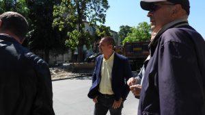 """Кметът на район """"Западен"""" Димитър Колев на старта на ремонта на ул. """"Ясна поляна""""."""