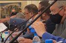 Иван Ангелов показва документи на комисията.