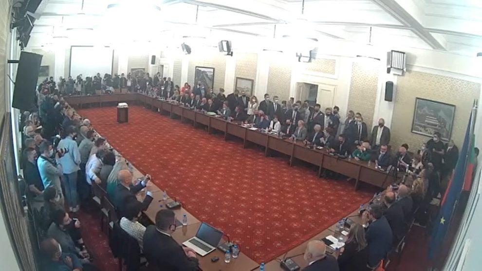 Бурни разправии на заседанието на комисията.