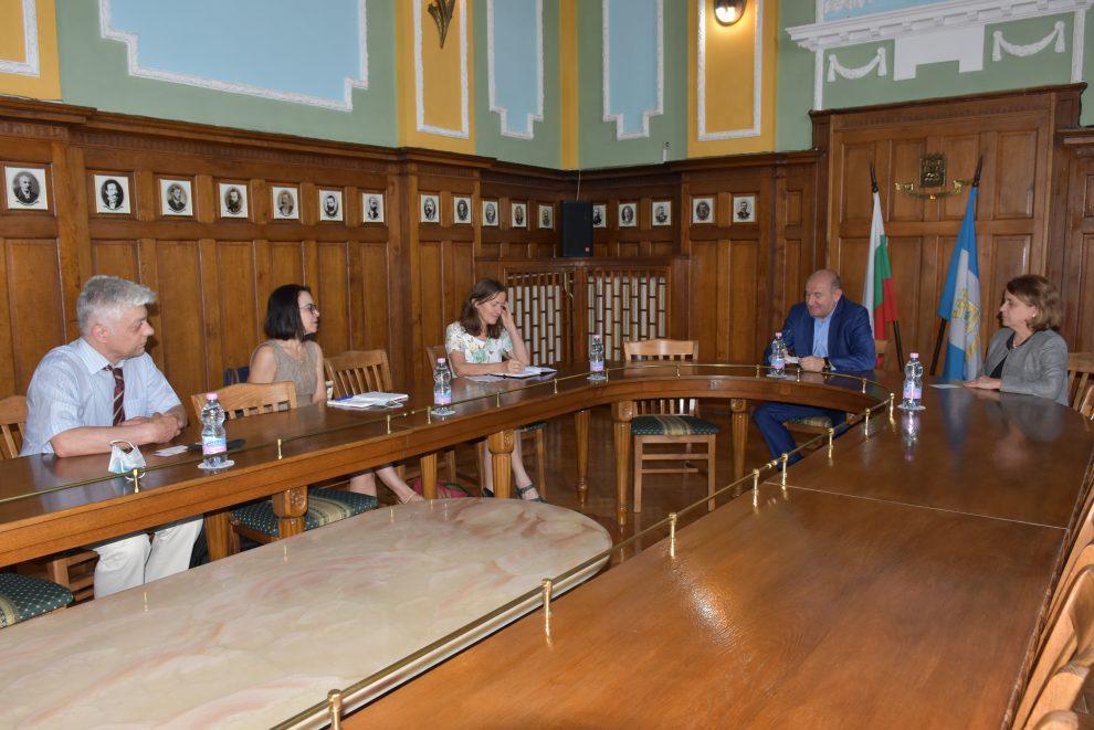 Разговорите с представителите на ОССЕ.