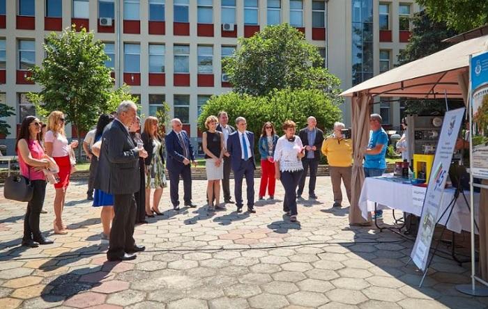 Приемът на документи за кандидатстване в УХТ продължава до 30 юни 2021 г.