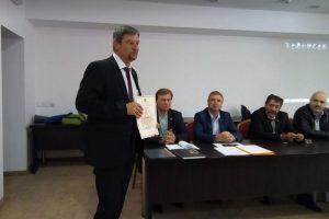 Д-р Юлиян Петров
