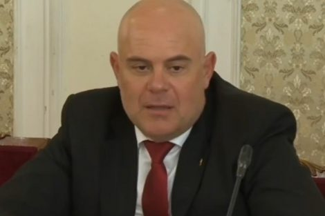 Иван Гешев си поговори с депутатите и им направи забележка за правилника.