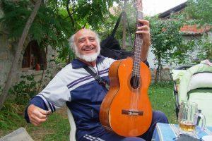 Йордан Терзийски, виртуозът с китара.