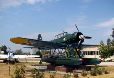 Експонат от външната експозиция на Музея на авиацията в Крумово.