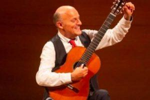 АМТИИ организира майсторски клас на френския китарист проф. Арно Дюмон