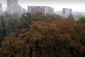 Кратка буря връхлетя Пловдив