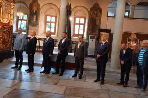 """Десетина души почетоха Независимостта в църквата """"Света Неделя"""" в Стария град"""